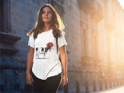 Schwarzwald T-Shirt: Kuh mit Bollenhut