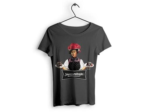 """Schwarzwald T-Shirt: Schwarzwaldmädel """"Anna"""" mit Schwarzwälder Kirschtorte"""